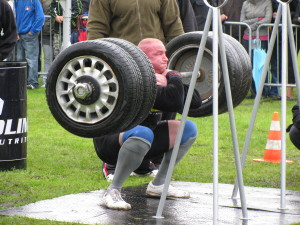 Strongman_Squat